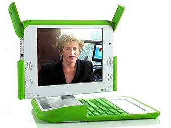Мэри Лу Джепсен на экране OLPC. Фото с сайта laughingsquid.com