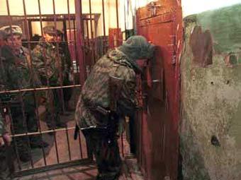 """Следственный изолятор в Чернокозово. Фото из книги Геннадий Трошева """"Моя война"""" с сайта vagrius.com"""