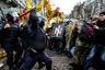 В правоохранительных органах заявили, что в драке с националистами пострадали два десятка милиционеров