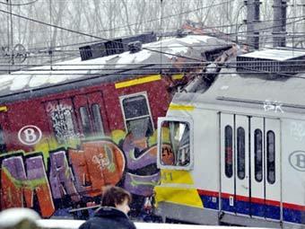 Последствия столкновения поездов в Бельгии. Фото (c)AFP