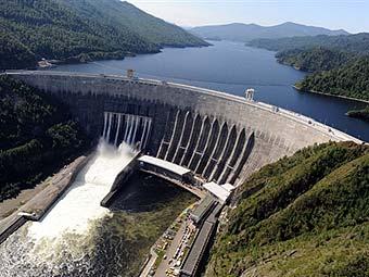 Вид на Саяно-Шушенскую ГЭС. Фото (c)AFP