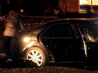 Автомобиль Шабтая Калмановича на месте убийства. Фото (c)AFP