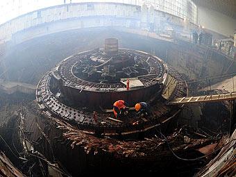 """Седьмой гидроагрегат Саяно-Шушенской ГЭС. Фото Мити Алешковского для """"Ленты.Ру"""""""