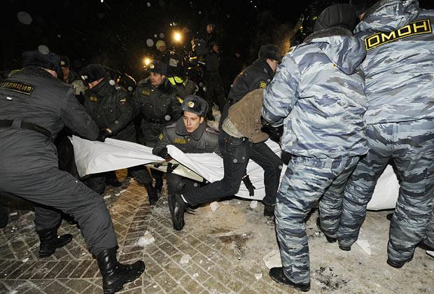 Беспорядки на акции памяти Станислава Маркелова и Анастасии Бабуровой на Петровском бульваре, 19 января 2010 года