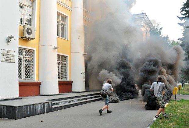 Акция против вырубки Химкинского леса  у администрации города Химки, 28 июля 2010 года