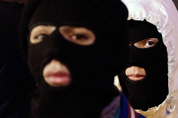 Участники акции памяти Станислава Маркелова и Анастасии Бабуровой в Москве, 19 января 2012 года
