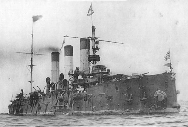 Крейсер 1 ранга «Аврора» на рейде Манилы после Цусимского сражения, июнь 1905 года