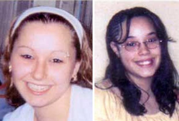 Аманда Берри (слева) и Джина Дехесус