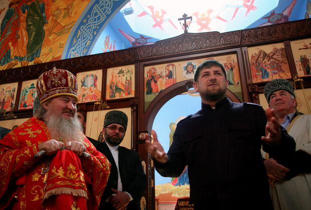 Рамзан Кадыров в храме Михаила Архангела, 2009 год
