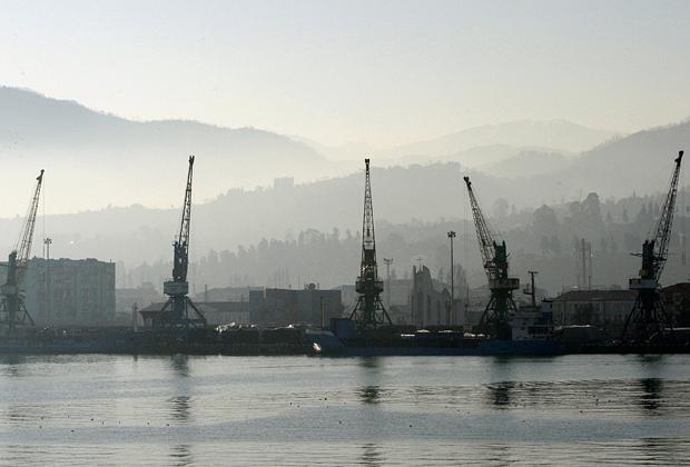 Вид на порт Батуми