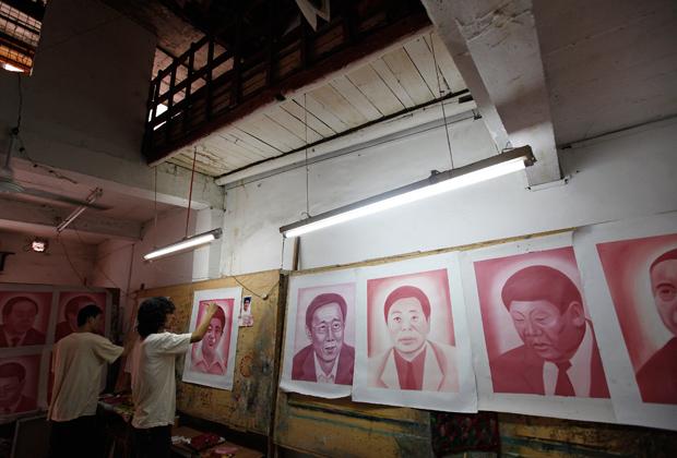 Создание инсталляции «Зал славы», посвященной китайским коррумпированным госслужащим