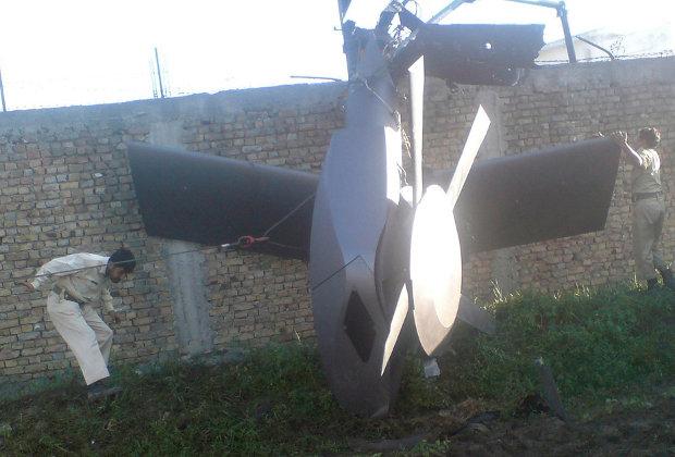 Американский вертолет, разбившийся при посадке во время операции по захвату Осамы бин Ладена