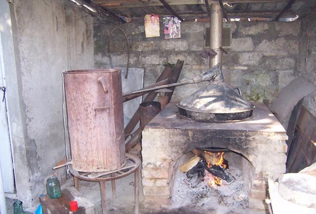 Аппарат для перегонки чачи в деревне