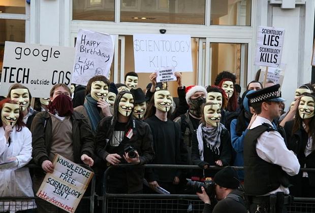 Акция анонимусов против церкви сайентологии, Лондон