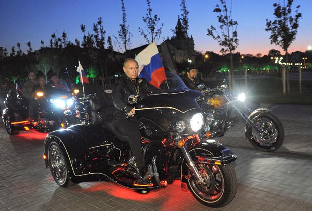 Владимир Путин и «Ночные волки»