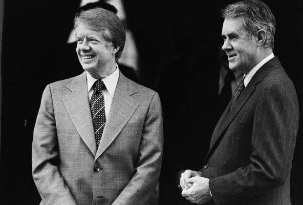 Джимми Картер и Сайрус Вэнс, 1977 год