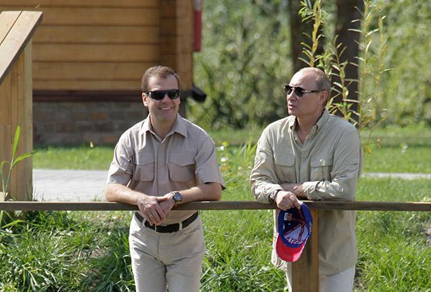 Дмитрий Медведев и Владимир Путин в «Житном»