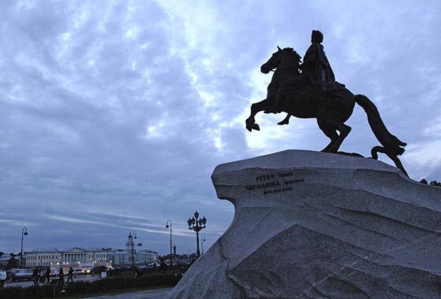 Памятник Петру I в Санкт-Петербурге