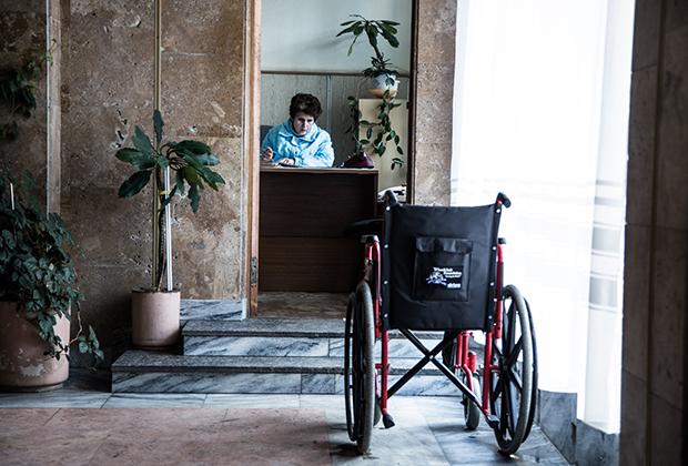 В госпитале, где проходят лечение раненые бойцы спецназа и Внутренних войск МВД Украины