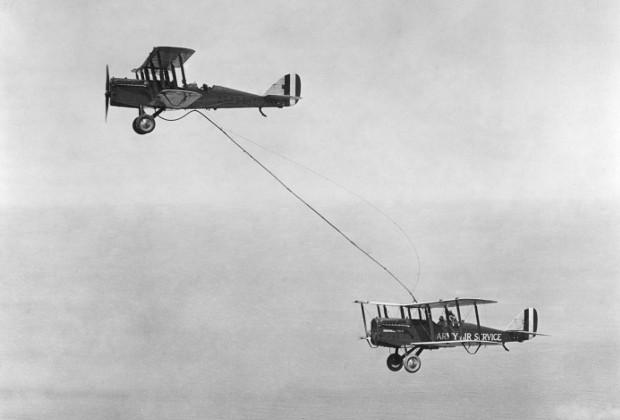 Первая дозаправка по шлангу 27 июня 1923 года