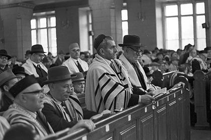 Служба в Московской хоральной синагоге, 1960-е годы