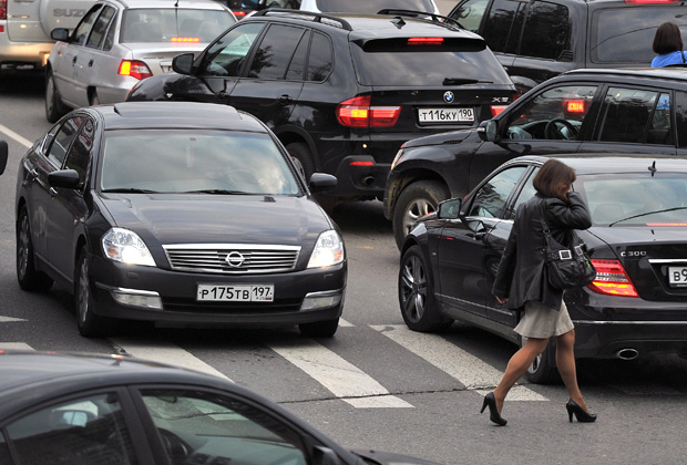 Автомобильное движение в центре Москвы