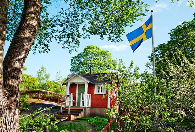 Небольшие дачные домики в пригороде Стокгольма