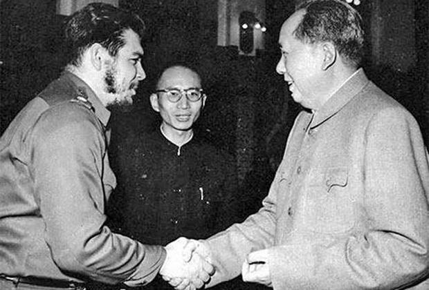 Че Гевара (слева) и Мао Цзэдун