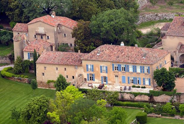 Поместье Джоли-Питтов во Франции. Здесь состоялась свадьба голливудской четы.