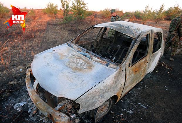 Сгоревший «Рено Логан» с останками журналисты «Комсомолки» обнаружили вместе с коллегами из Lifenews