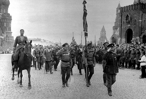 Отправка войск на фронт, 1917 год