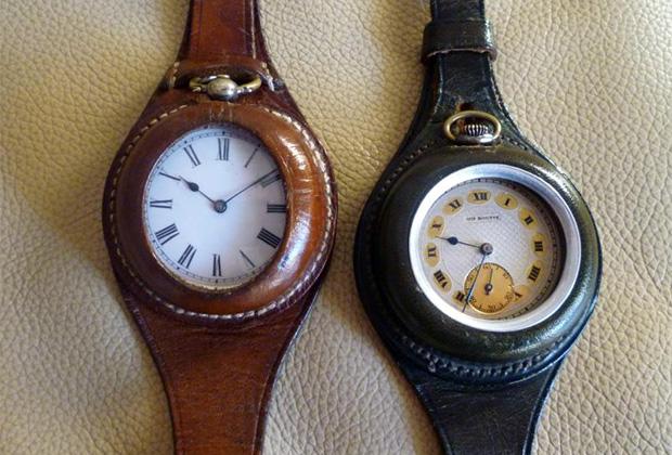 В каталоге часов английской компании Goldsmith's в 1901 году под одними из карманных часов был опубликован любопытный отзыв: «Я носил эти часы на руке в Южной Африке 3,5 месяца. Они всегда показывали точное время и никогда не подводили меня. С уважением, капитан Северного Стаффордширского полка». Этот отзыв размещался к часам, которые описывались как «самый надежный хронометр в мире для джентльмена, отправляющегося на действительную службу или в суровые условия».
