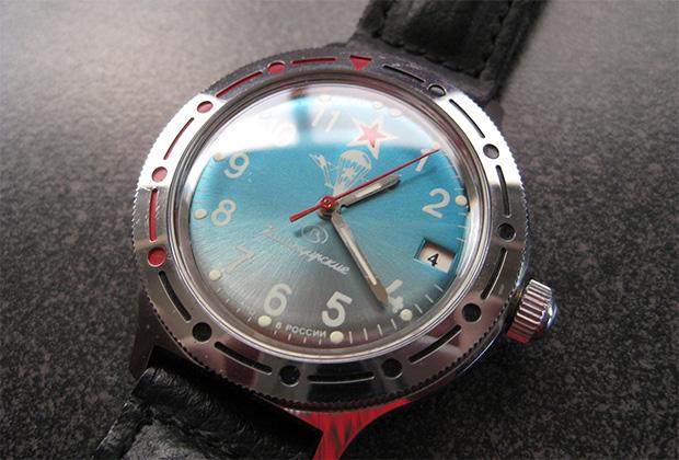 Едва ли не главный бренд российских спекулянтов начала 90-х годов — «командирские часы», пользовавшиеся неизменной популярностью у иностранных туристов.