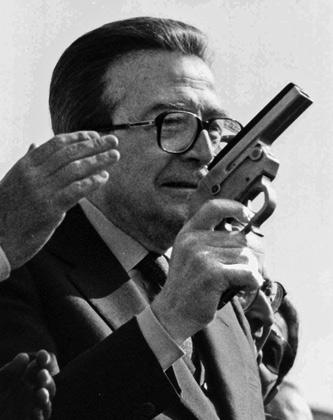 Джулио Андреотти — патриарх итальянской политики, обвинявшейся в связях с мафией