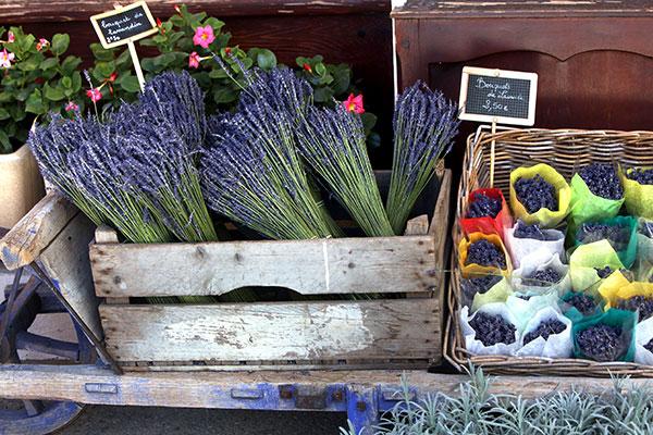 Цветочный рынок в Экс-ан-Провансе