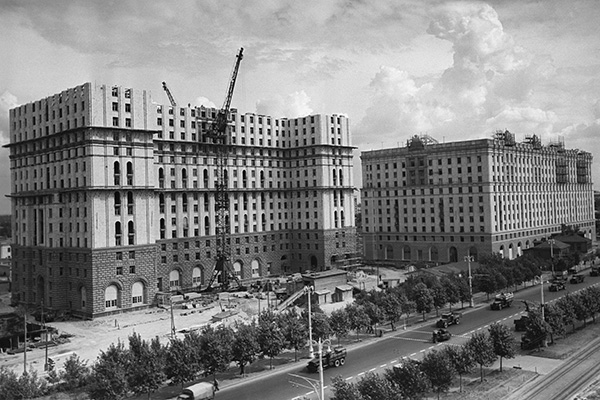 Строительство 15-этажного жилого дома на Ярославском шоссе в Москве