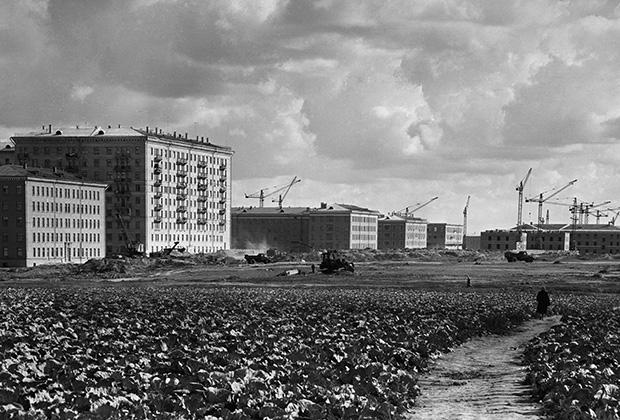 Панорама строительства района Новые Черемушки в Москве