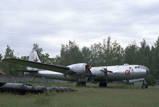 Стратегический бомбардировщик Ту-4