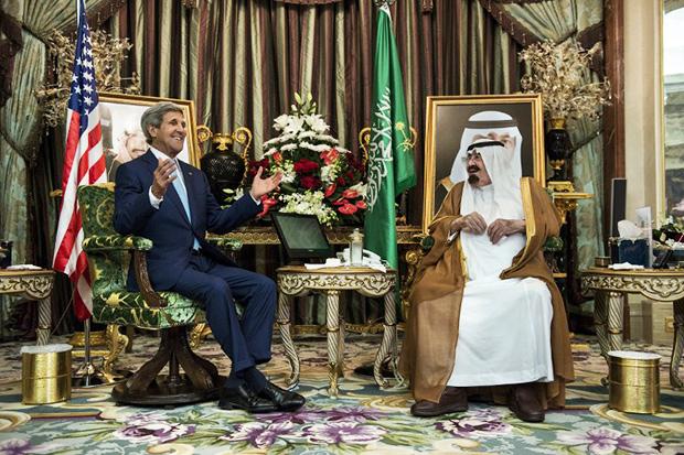 Госсекретарь Джон Керри и король (ныне покойный) Абдулла ибн Абдул-Азиз Аль Сауд