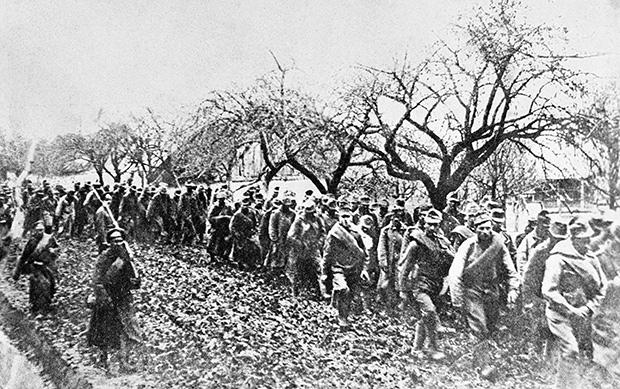 01.07.1916 Пленные, захваченные русскими войсками в ходе наступательной операции на Юго-Западном фронте (Брусиловский прорыв)
