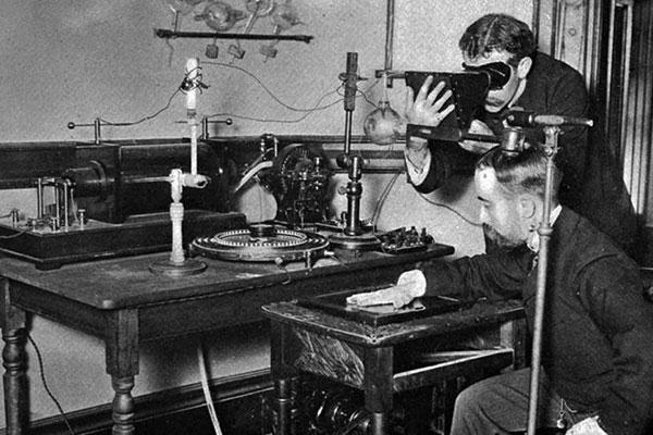 У первых рентгеновских аппаратов время экспозиции достигало полутора часов