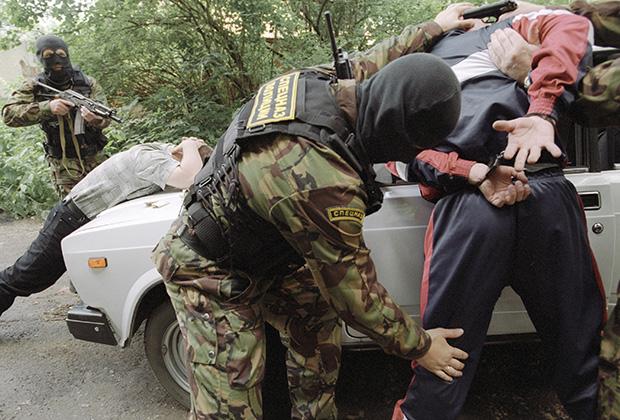 Задержание наркодилеров сотрудниками ФСКН, 2004 год