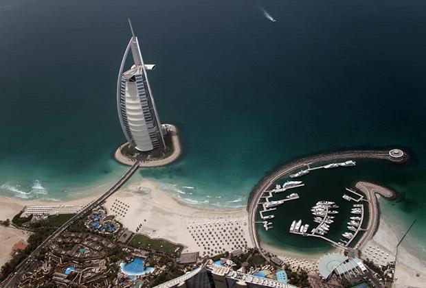Отель — парусник Бурдж Аль Араб