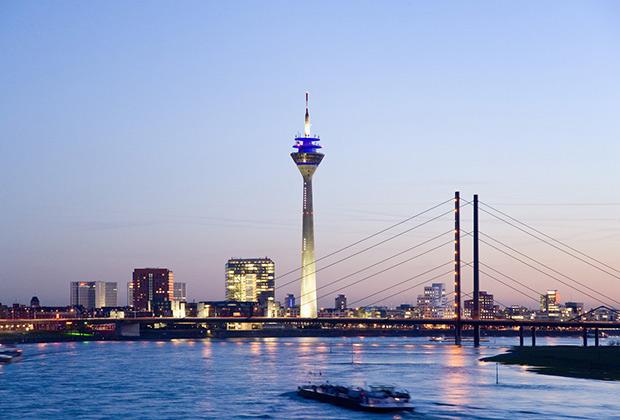 Вид на город с Рейна