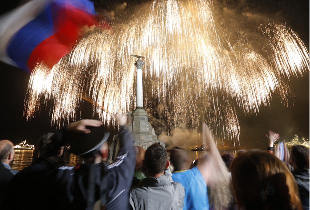 18 марта 2014 года Путин подписал Договор о принятии полуострова в состав России