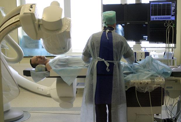 В рентгенологическом отделении Главного военного клинического госпиталя им. Н.Бурденко