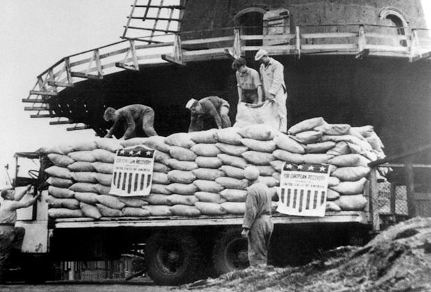 Доставка американской пшеницы в Роттердам. 1948 год.