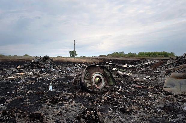Обломки малайзийского Boeing 777 под Донецком, июль 2014 года