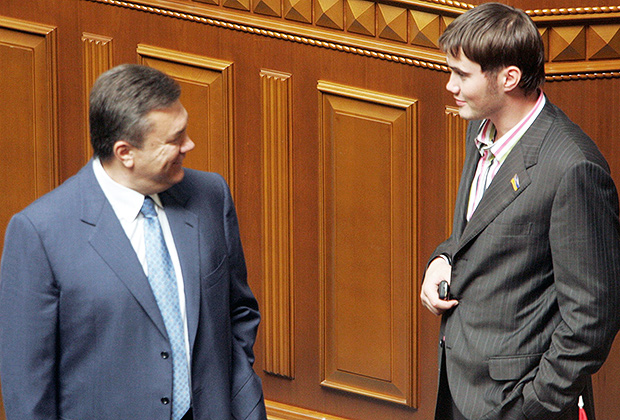 Виктор Янукович с сыном, 2006 год