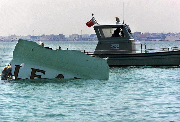 Обломки самолета А320 авиакомпании Gulf Air, найденные в Персидском заливе